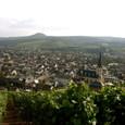 城壁とワインの街