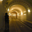 トンネルの向こうは・・